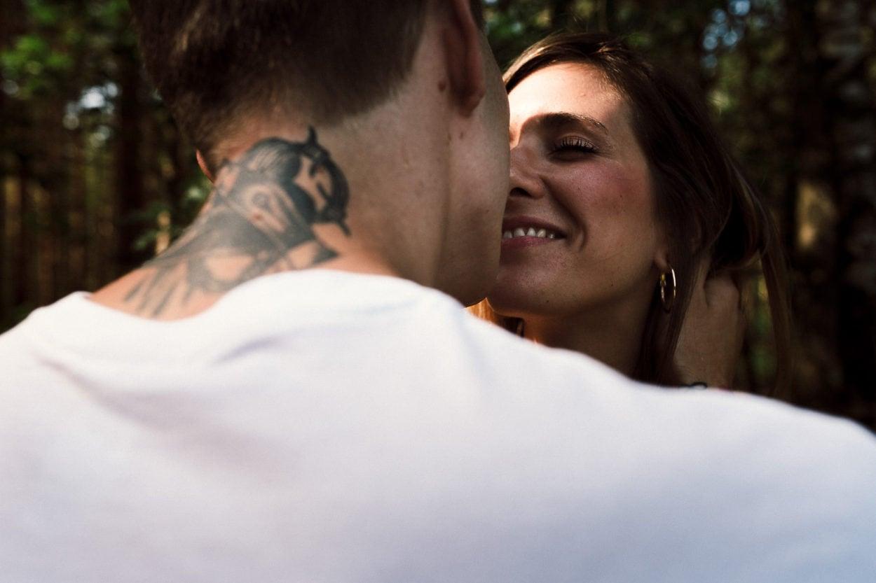 ein Lächeln vor dem Kuss