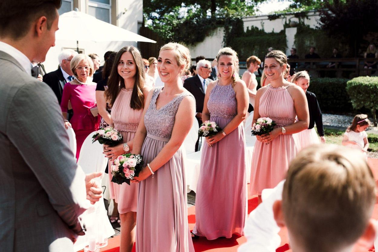 """Bridesmaids - Freie Trauung in der """"Schöne Aussicht"""" Bielefeld"""