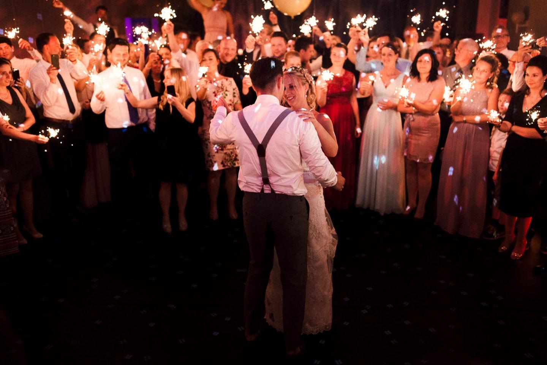 Der Hochzeitstanz in der Location Schöne Aussicht in Bielefeld