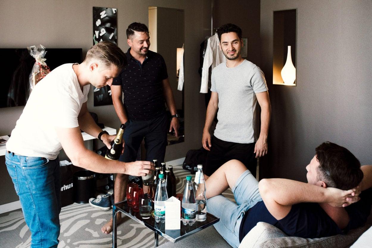 Getting Ready des Bräutigams im Légère Hotels Bielefeld