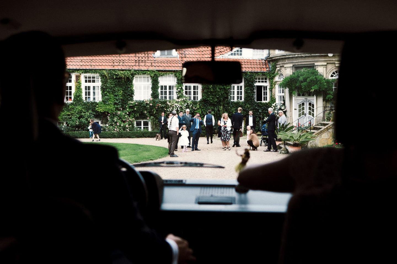 Ankommen auf Gut Eckendorf mit Blick auf die Gäste