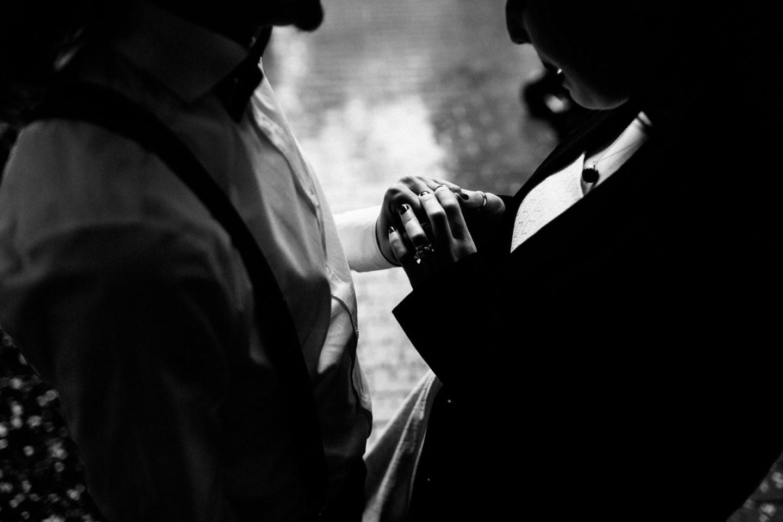 liebevolle und emotionale Hochzeitsfotografie auch bei Regen
