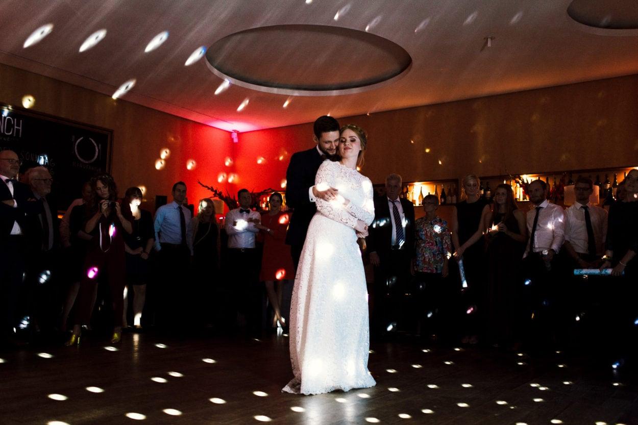der Hochzeitstanz im Hotel Sonne