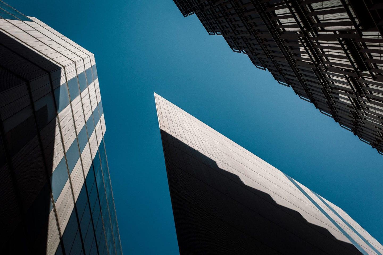 Linien und Gebäude
